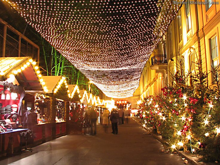 christmas market | Berlin's largest Christmas market takes place in the Spandau Old ...