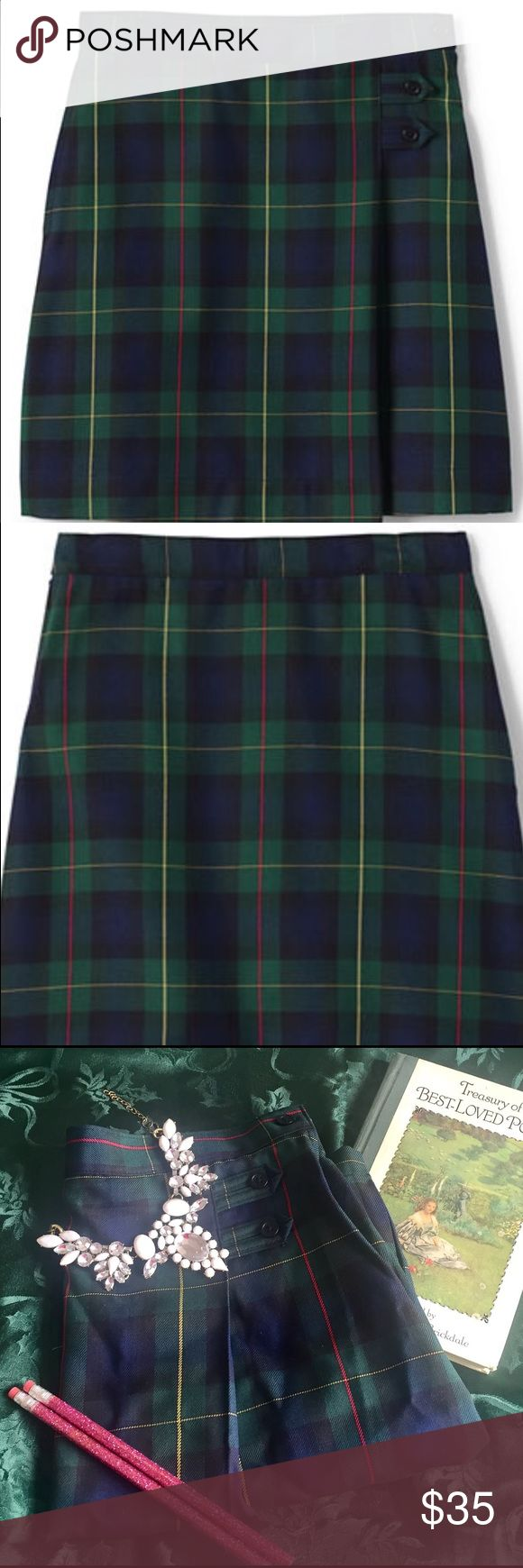 CCO SALE Lands' End school Uniform Plaid 3 Hunter New from Lands' End School Uniform Jr Plaid A-line Skirt Below the Knee color is Hunter Cl  Navy Plaid This is new without tag ordered from Lands' End with bag junior size 3 style 404344 Lands' End Skirts Midi