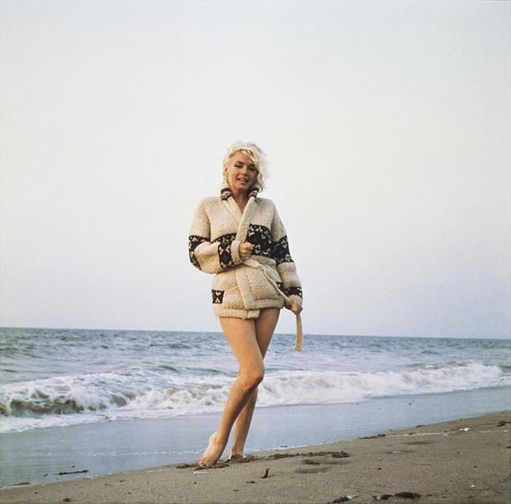 {Marilyn + sweater + beach} 1962