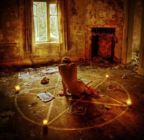 Wicca coven casting spells at wwwrealspellcastingcom - 4 3