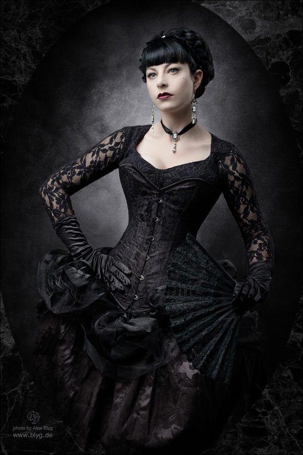 Готическая девушка#викторианская мода #готическое искусство #тьма #гот