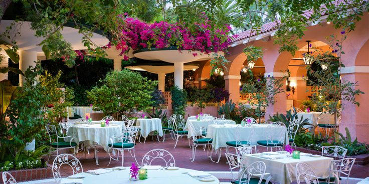 Dine outdoors all year round at one of our most popular restaurants in Beverly Hills. Located opposite the infamous pool deck, see and be seen here.