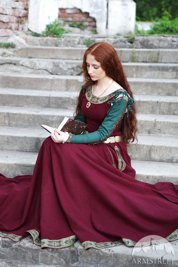 Medieval wool dress Sansa  This is a beautiful medieval style dress!  The colors and model remind me of Priestess of Alder!  So Magikal and beautiful!