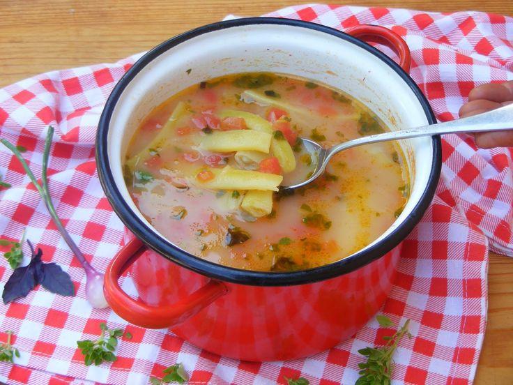 Makacska konyhája: Bazsalikomos, paradicsomos zöldbab (karósbab) leves