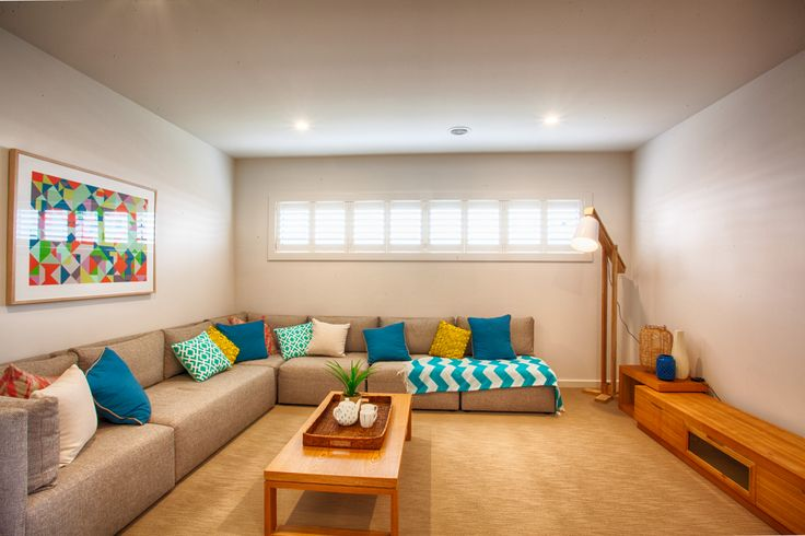 Such fresh colours gives this room a coastal feel