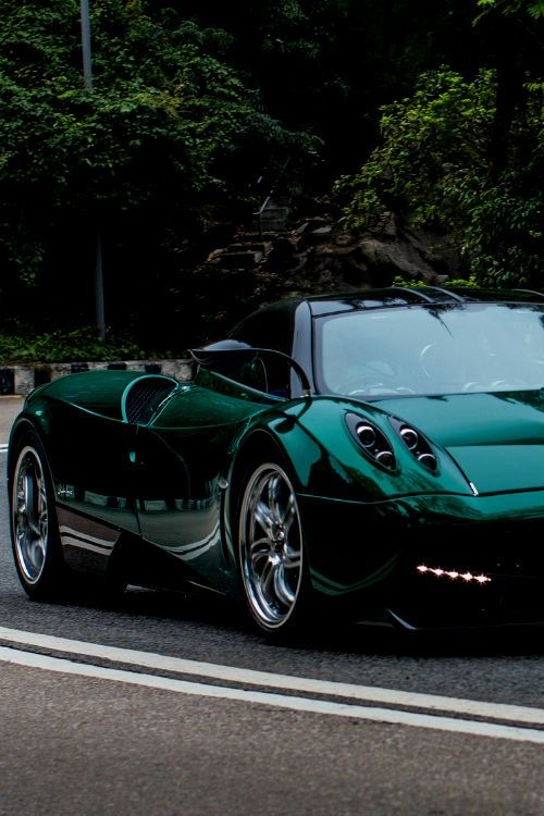 One of the most elegant super cars. LOVE the jade green color