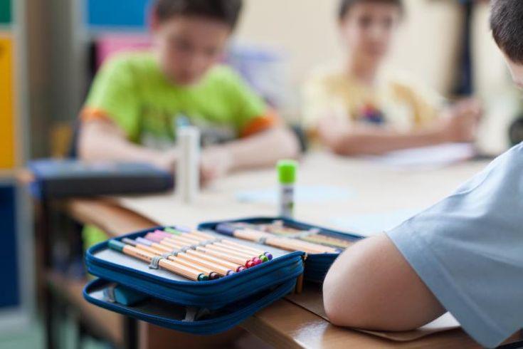 Hluční a vyrušujúci žiaci sú problémom v každej triede. Avšak existuje niekoľko taktík, ktoré vám pomôžu eliminovať aj takéto správanie.