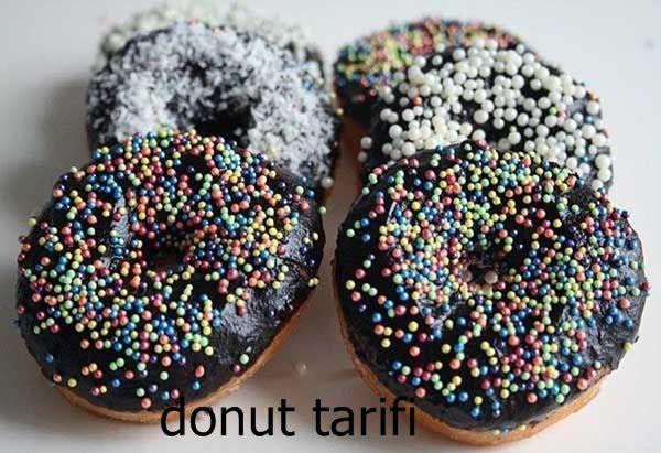 Donut, tatlı bir çörek. Özellikle Amerika'da donut tüketimi çok yaygın. Amerikalılar donutu kahvaltıda daha çok tüketiyor. Türk damak tadına da uygun olan bu enfes tatlı çöreği siz de denemelisiniz. #donut #tarifi #tatlı #tarifleri