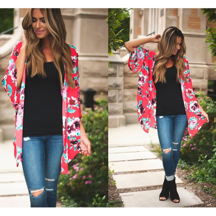 Kimonos are #trending for Fall 2016 | This floral print is beautiful! | More Kimonos & Cardigans at DottieCouture.com