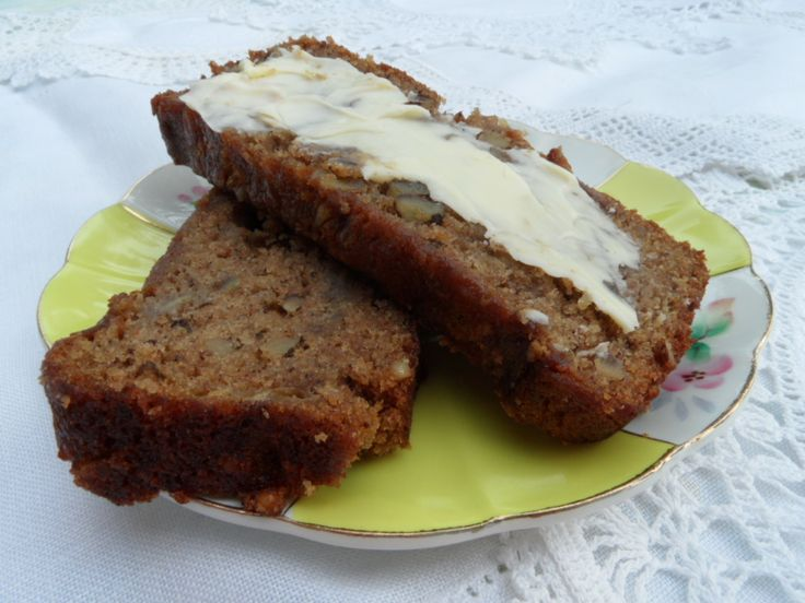 moist nutty easy to make banana bread super moist banana bread with ...