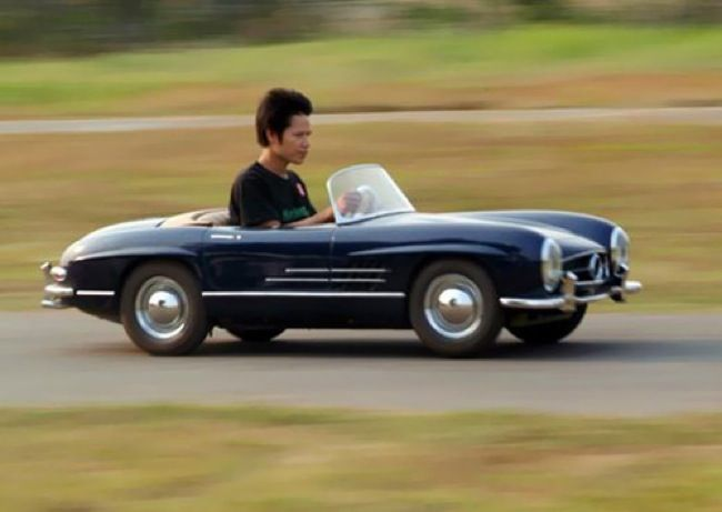 A Miniature Mercedes Sports Car For Children Aged Around 6 And