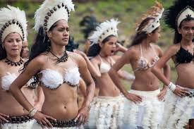 Resultado de imagen para easter island people