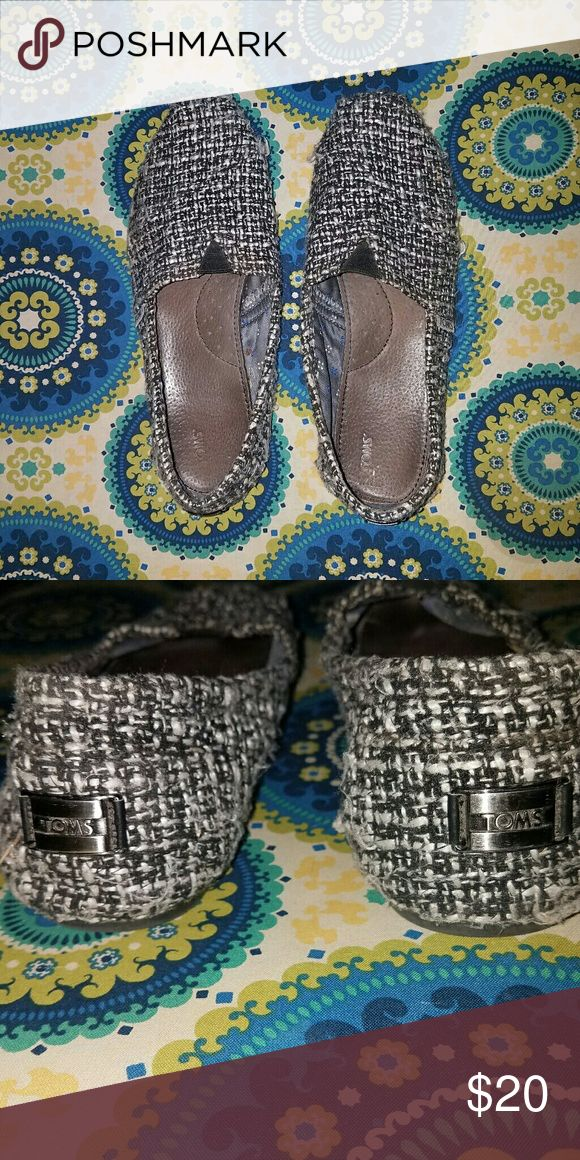 Women's TOMS Women's LIMITED EDITION TOMS size 10 They are a black wool stitch blend and they do have some piling but are super cute shoes with the silver logoing! TOMS Shoes Flats & Loafers