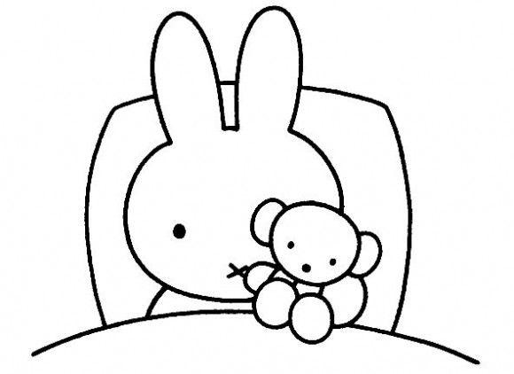 Nijntje in bed met knuffelbeer - ziek slapen