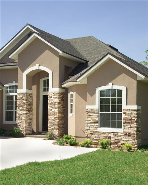 Best 25 stucco houses ideas on pinterest for Can exterior stucco be painted