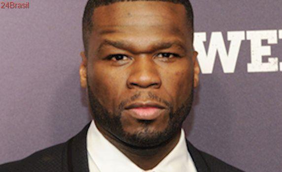 Rapper 50 Cent dá soco em mulher durante um show nos EUA; confira