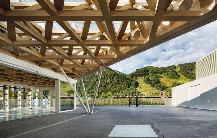 Nya byggnader med avancerade takkonstruktioner, Aspen Art Museum av Shigeru Ban, foto Michael Moran – http://www.tidningentra.se/reportage/med-blicken-mot-husets-femte-fasad #arkitektur i #trä