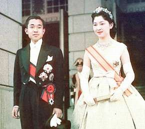 天皇皇后両陛下 / JAPANESE The Emperor and the Empress