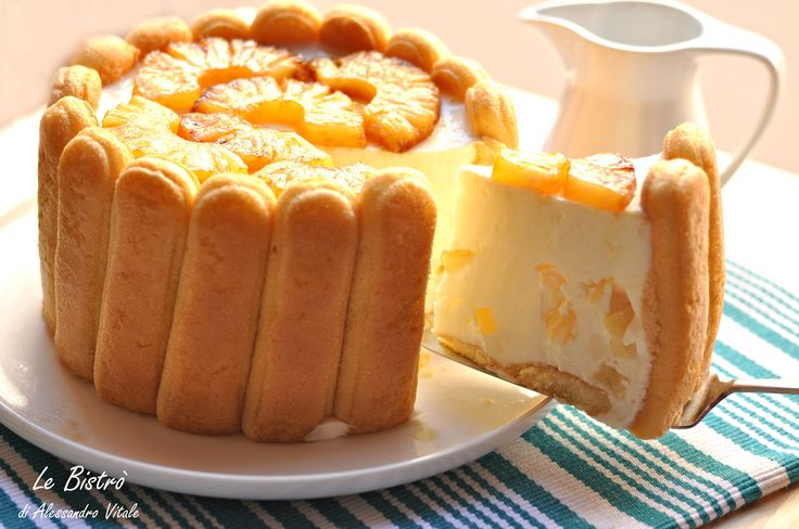 Torta charlotte allo yogurt e ananas