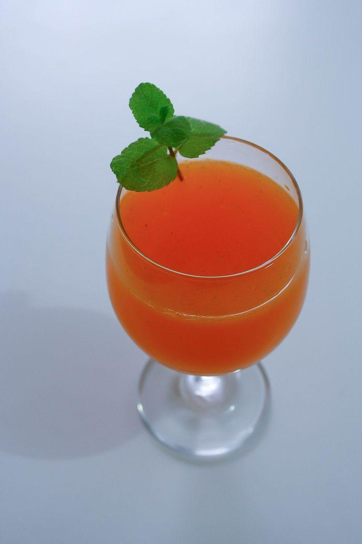 Receita de Suco de cenoura com limão hortelã. Enviada por Andressa e demora apenas 5 minutos.