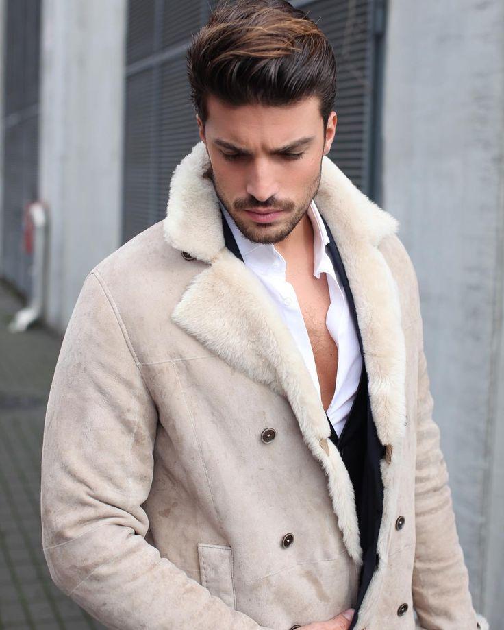 #MarianoDiVaio Mariano Di Vaio:  Eu amo essa roupa .. Check out www.mdvstyle.com for my looks !
