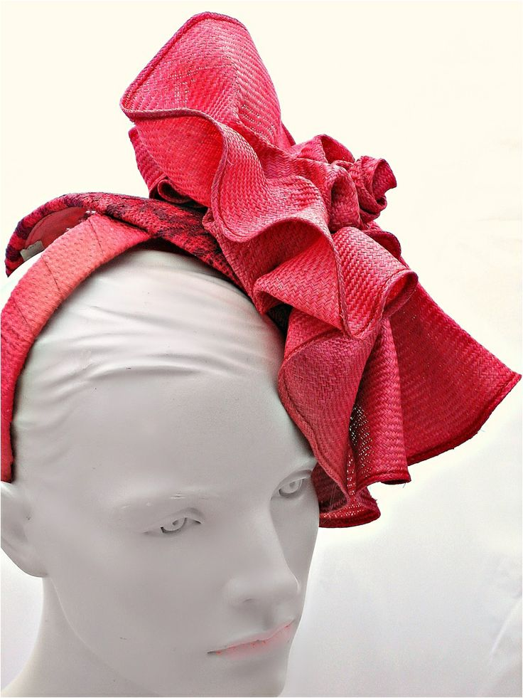 Wow your date with this gorgeous head piece by 'Embellished Accessories'. Or make a great present for a-stand-out-from-the-crowd chick.