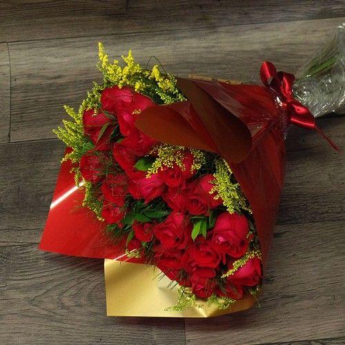 Buquê de rosas vermelhas nacionais - 24 hastes