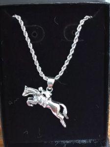 Sterling silver jumper necklace.