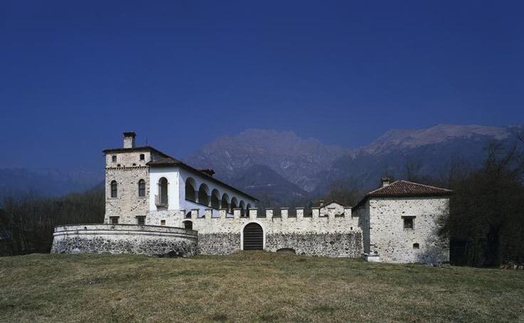 Castello Lusa Foen Belluno Dolomiti Veneto Italia