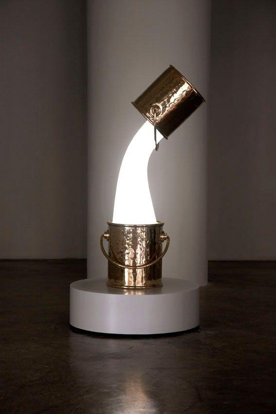 Wonderlamp is the result of a collaboration between two very distinct creative companies, Studio Job and Pieke Bergmans.