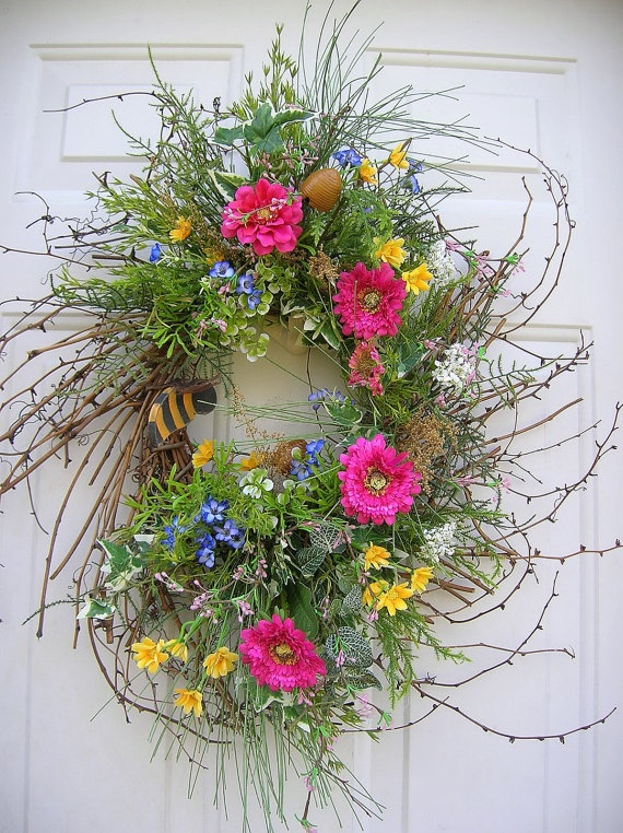 country primitive spring bumble bee wreath by bradybeans