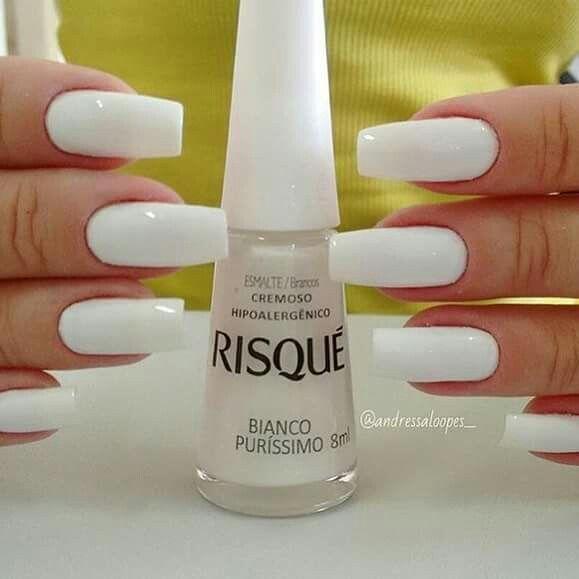 Bianco Puríssimo, clássico risqué #unhas #nails