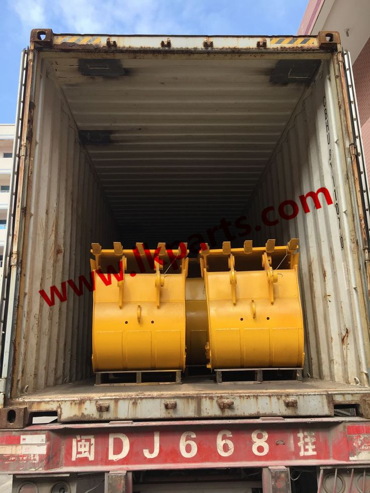 Container for export yesterday. bucket teeth/pc100-1/ms110 track link. Bucket 1m³/ 0.5m³/ 0.28m³ #trende rodaje partes#undercarriage parts for various kinds of brand such as caterpillar/Komatsu/Hitachi/Hyundai/Volvo/Doosan/JCB/Kobelco#Lower roller/top roller/sprocket/idler/track link/track shoes/bucket etc Tel:+86 152 8009 4489 Email:ellen@lkparts.com Whatsapp:+86 152 8009 4489 Wechat:+86 152 8009 4489 Viber:+86 152 8009 4489 Line:+86 152 8009 4489 Skype:ellen890210