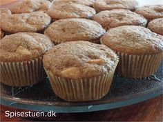 Jeg har fået prøvet mig frem til denne opskrift, som basis opskrift til muffins. Jeg har taget udgangspunkt i min opskrift på rabarbermuffins og reguleret på mængderne. Der bliver 12-16 muffins. De…