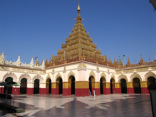 Mahamuni Paya - Mandalay, Myanmar   http://exploretraveler.com/ http://exploretraveler.net