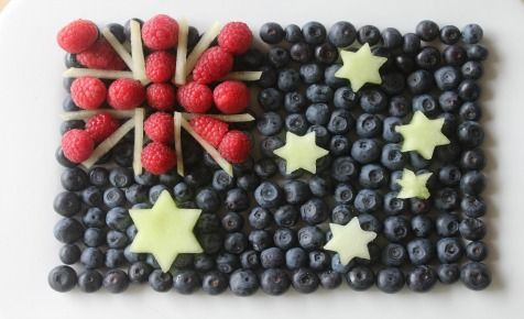 What a great way to serve fruit for Australia Day in a fruit flag