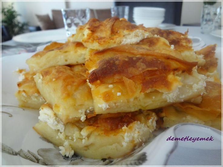 Ramazandaki favori böreğim, yiyen herkes çok sevdi, mutlaka deneyin derim. Malzemeler: 1 kilo yufka 125 gr tereyağı 2 yumurta 2...