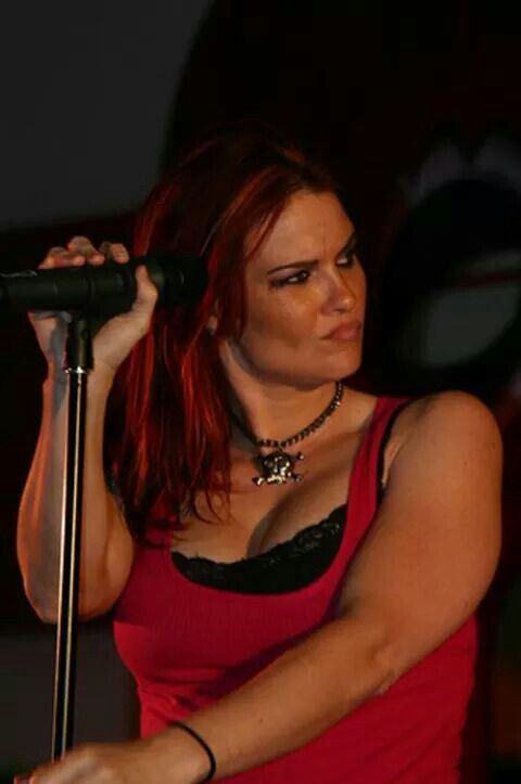 Amy dumas sexy