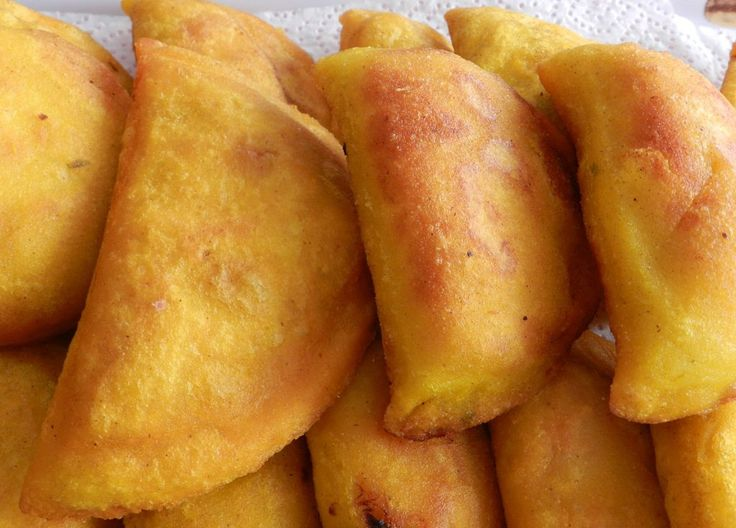 Receta de Empanadas De Maiz Con Relleno De Carne/Pollo                                                                                                                                                                                 Más