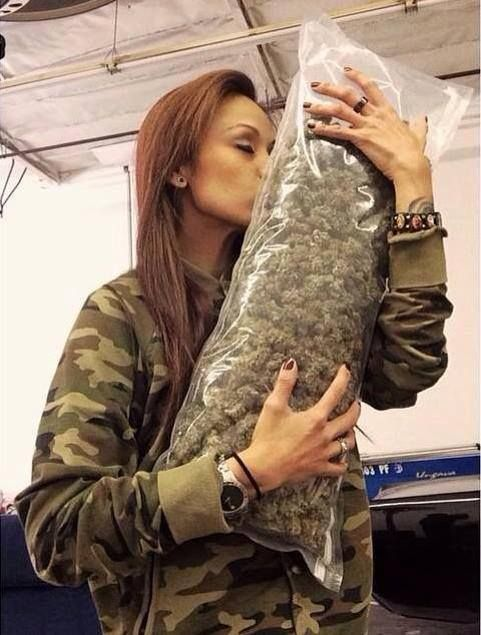 bag big enough or what? biatches be like..