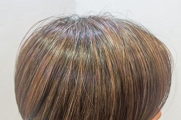 白髪を目立たなくする染め方のひとつ メッシュやハイライトと呼ばれる
