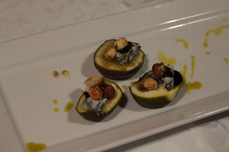 Fresh figs with Gorgonzola, roast hazelnut and Balsamic