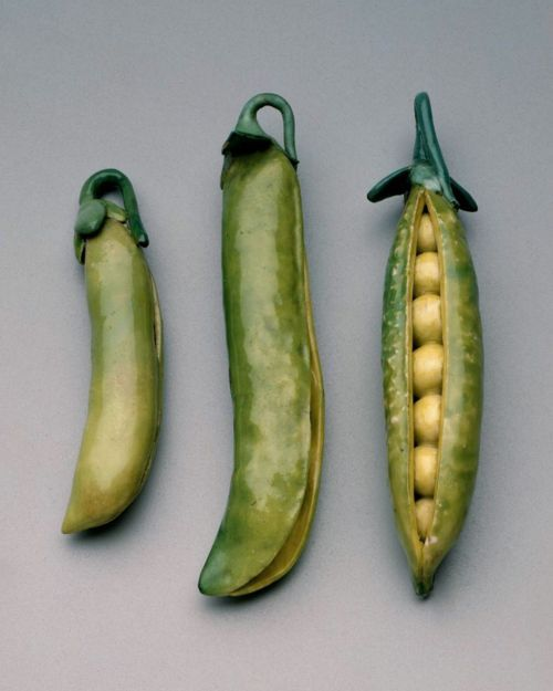 Ceramic peapods, c.1755