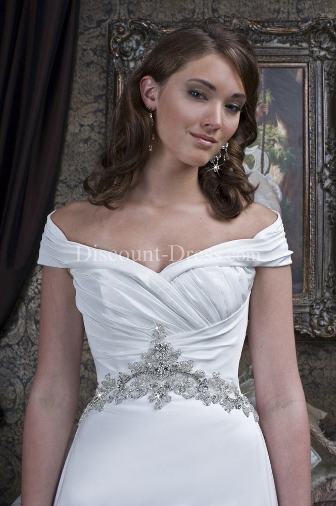 Reminds me of Sleeping Beauty's dress!  (love the off the shoulders design, might have to take that)