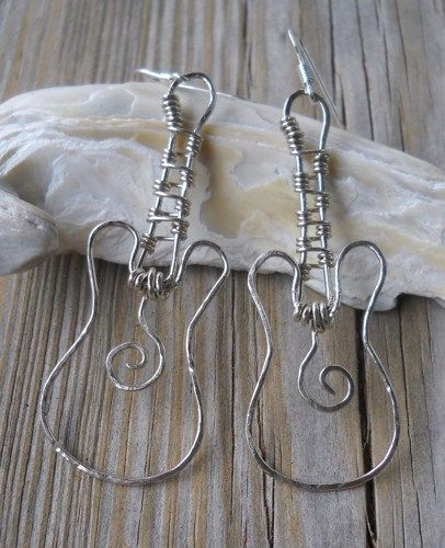 Hammered Silver Wire Guitar Dangle Earrings | pavlos - Jewelry on ArtFire