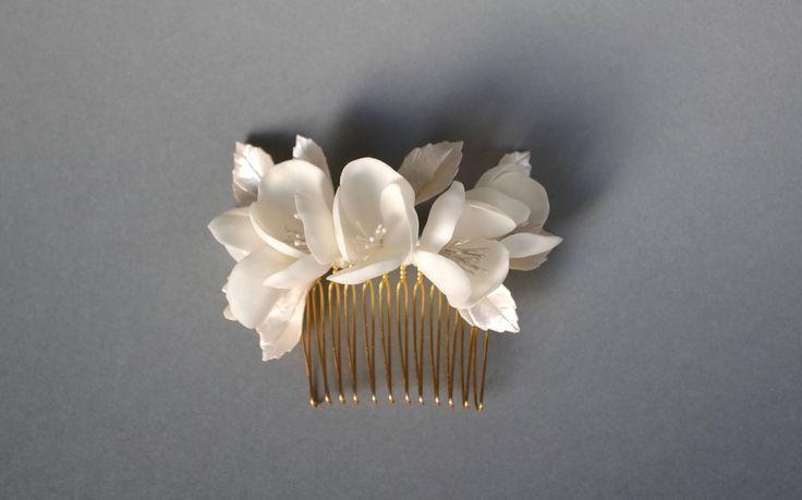 Peigne fleurs blanches, peigne de mariée, peigne florales, peigne à cheveux fleurs, fleurs pour coiffure mariée, accessoires cheveux