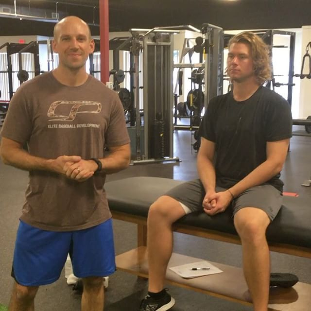 """Today is Day 17 of #30DaysOfArmCare. Thanks to #Nationals pitcher @jakejo27 for the demo. Key takeaways:  1.  The prone horizontal abduction (""""T"""") is a commonly butchered arm care exercise.  2. Athletes will often tug down with the lat, dump into scapular anterior tilt, slip into forward head posture, or move excessively through the arm (instead of the shoulder blade). 3. You should only feel this in the mid trap (inside of shoulder blade), not front/top of shoulder.  Follow #30DaysOfArmCare…"""