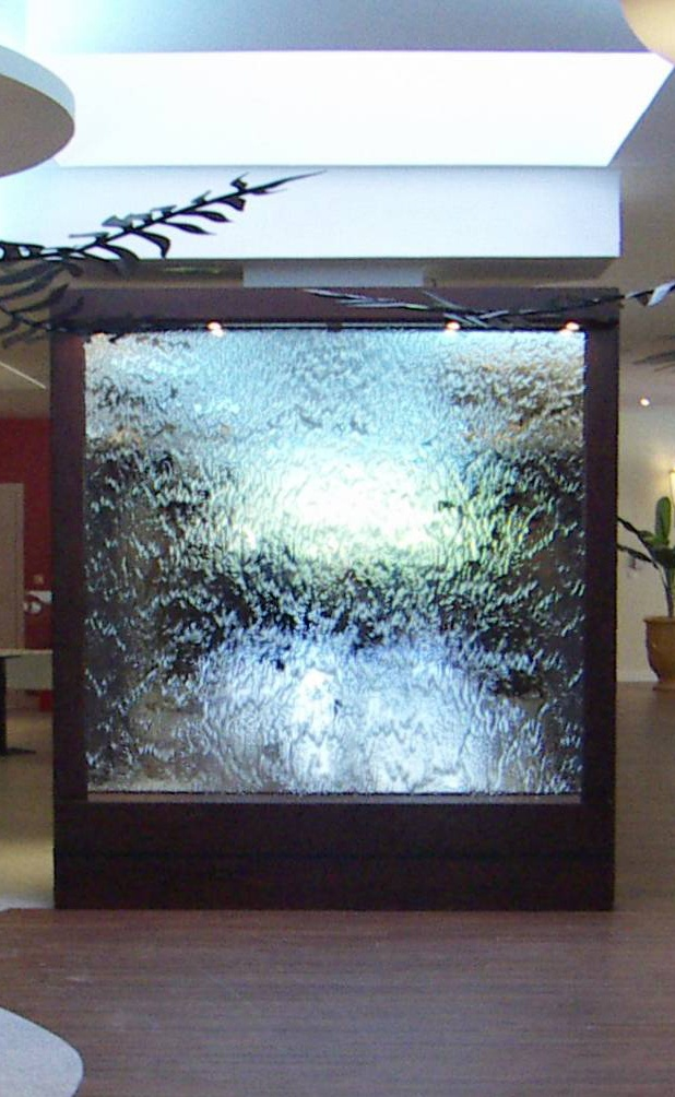 Les 25 meilleures idees de la categorie murs d39eau sur for Carrelage adhesif salle de bain avec balisage led exterieur