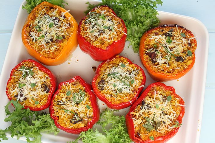 Lentil-Quinoa-Stuffed Peppers Ingredients Makes 2 servings 2 peppers 1 cup black lentils, cooked 1 cup quinoa, cooked 1 tbsp garlic, chopped 1/4 cup fresh dill, chopped 1 tsp ground cumin  1/2 tsp salt Freshly ground pepper, to taste 1/2 cup salsa