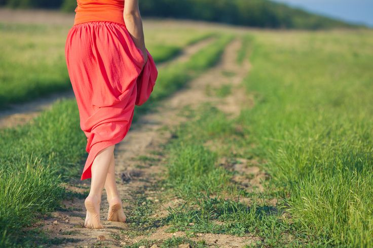 6 Reasons Why You Need To Start Going Barefoot